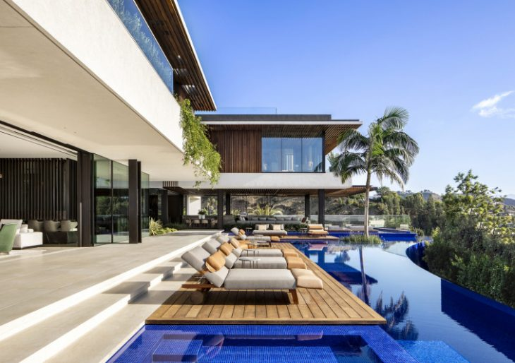 Hillside House in Los Angeles by SAOTA