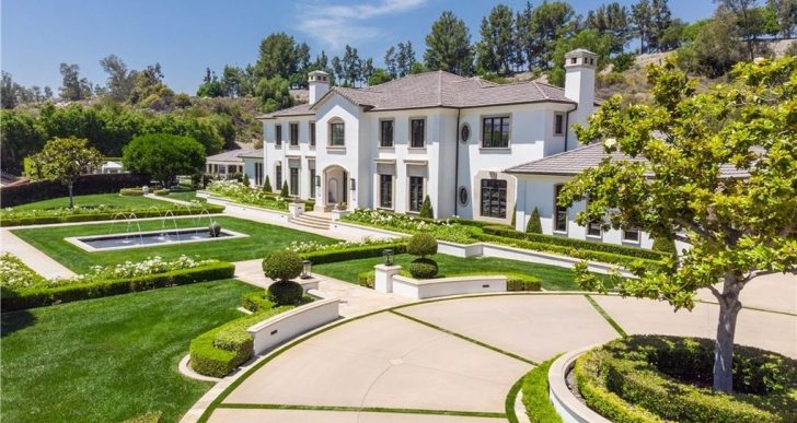 Stanley Cup Champion Ryan Getzlaf Lists O.C. Mansion With Manicured Grounds for $10.8M
