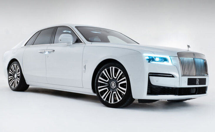 Rolls-Royce Ghost's First-Ever Redesign Is a Sensible Evolution