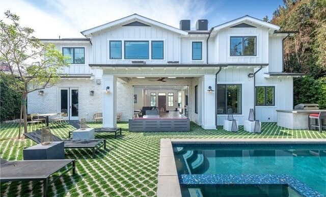 Ariel Winter Takes $2.8M for L.A. Home