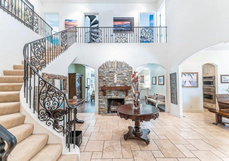 Cindy Margolis Buys in Sherman Oaks for $1.9M