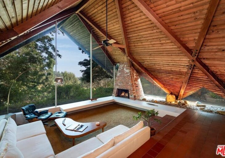 Striking X-Frame Modern in L.A. by Harry Gesner Selling for $2M