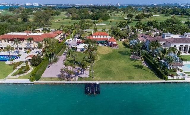 Tom Brady and Gisele Bundchen Buy Mansion in Miami's 'Billionaire Bunker' for $17M