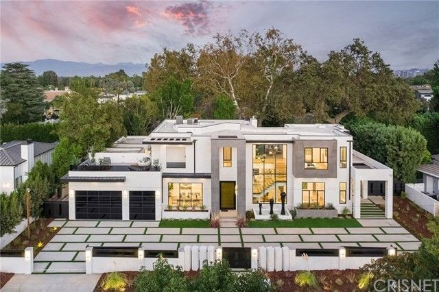 Timberwolves' Allen Crabbe Picks Up L.A. Home for $5.4M