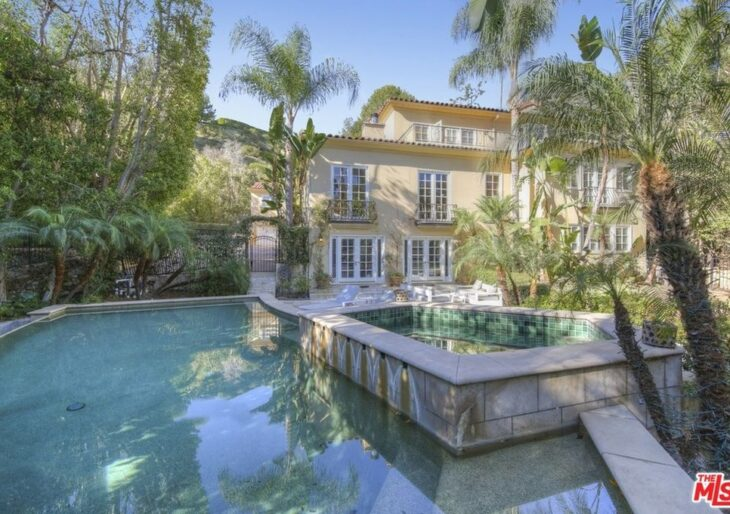 'Seinfeld' Actor John O'Hurley Sells Beverly Hills Home for $4.5M